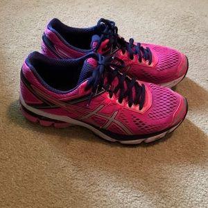 Women's ASICS Running Shoes - Size 8